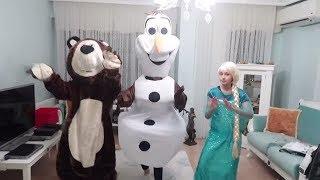Sürpriz Kostümler Challenge! Olaf Elsa Kocaayı Malefiz Kostüm Kağıttan Ne Çıkarsa! Bidünya Oyuncak