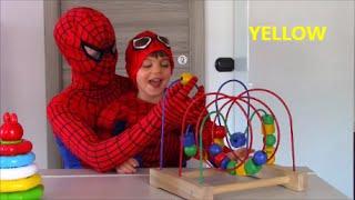Inglese per bambini con Spiderman!! Colori. Anelli Clementoni. English 4 kids with Spiderboy