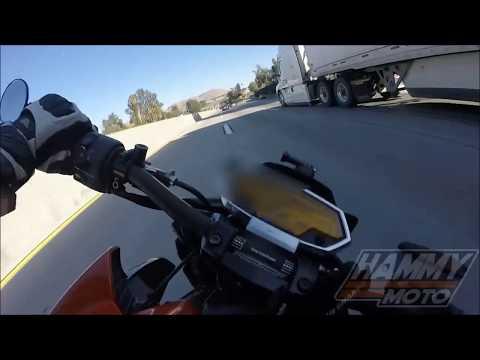 Жесть Мотоциклист Спас Свою Девушку
