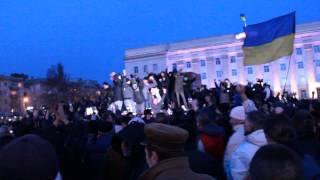 В Херсоне скинули памятник Ленину
