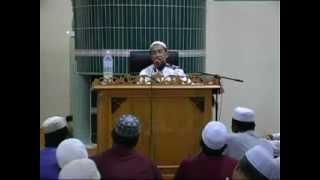 Ustaz Azhar 2012 - Bacaan Iktidal Semasa Beriman & Pakai Jam Semasa Solat -.mp4