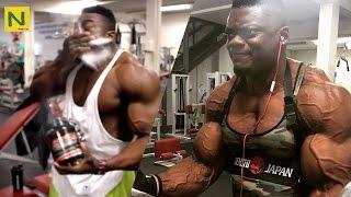 これが神の粉か…? 筋肉への追い込みも匠の領域。 |  Blessing Awodibu Powder to power up !?