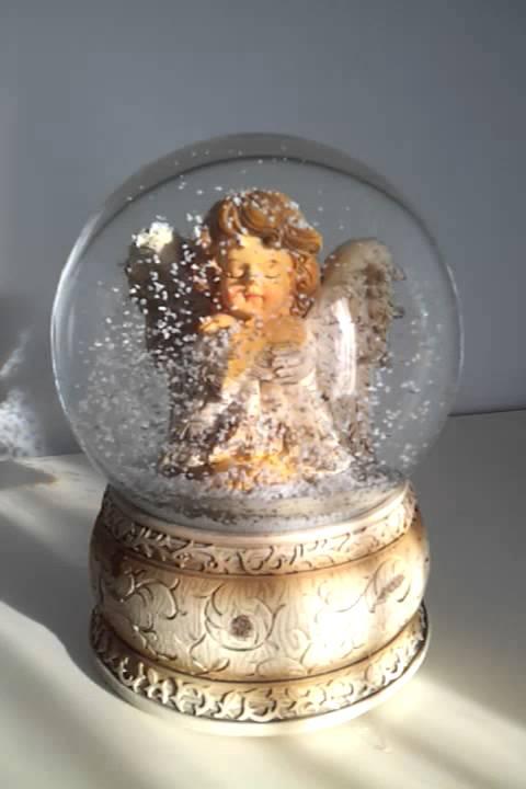 Bola de nieve musical de navidad angel i bolas de agua - Bola nieve cristal ...