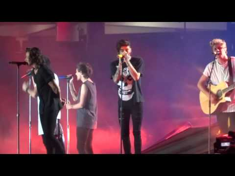 One Direction - Night Changes OTRA 7-2-15 Sydney HD