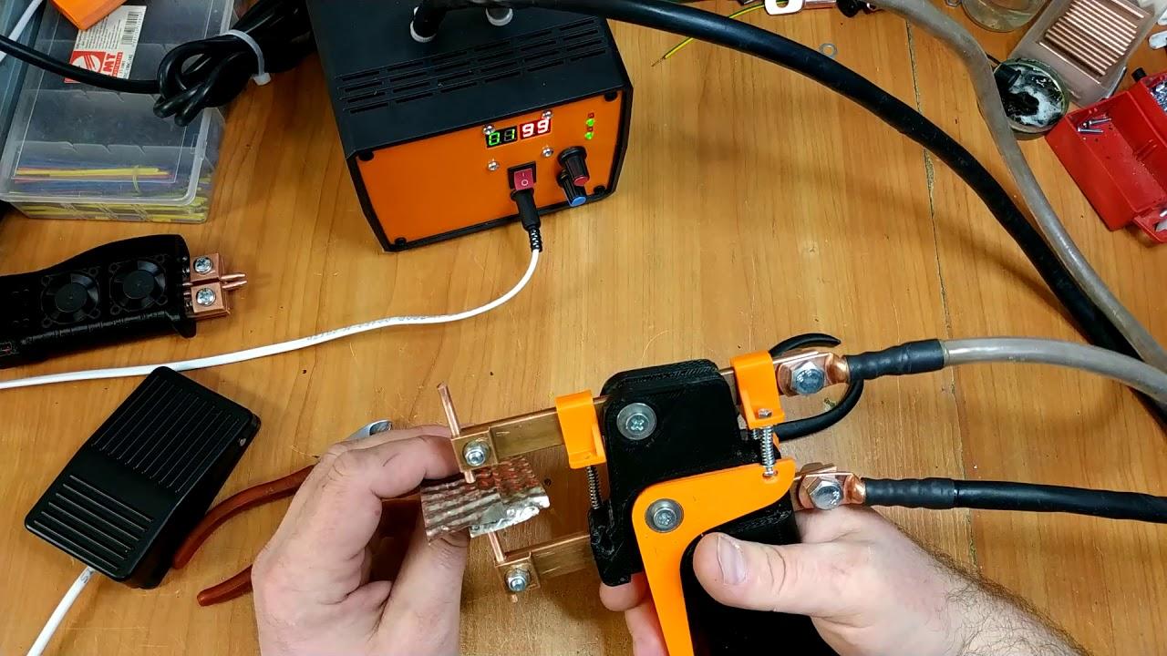 Держатель электродов точечной сварки для сварки пластин.