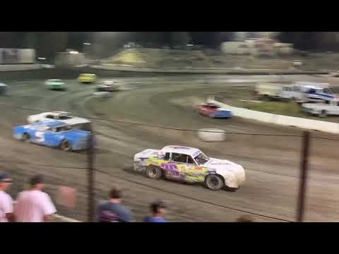 Hobby Stocks Bakersfield Speedway. - dirt track racing video image