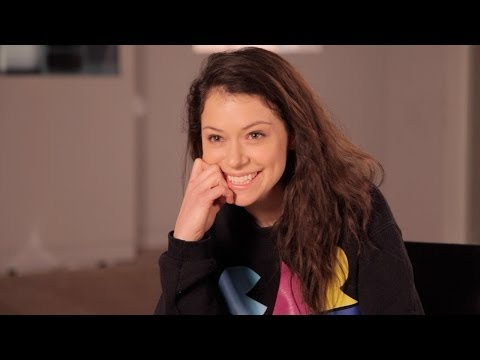 TATIANA MASLANY Answers Who's the Better Kisser: Paul or Delphine  ORPHAN BLACK: Ask OB