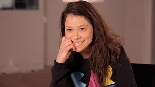 Repeat youtube video TATIANA MASLANY Answers Who's the Better Kisser: Paul or Delphine - ORPHAN BLACK: Ask OB