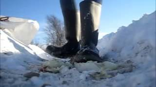 Rubber boots crush (slowly)