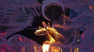 видео В Екатеринбурге выбрали лучшие скульптуры изо льда фестиваля