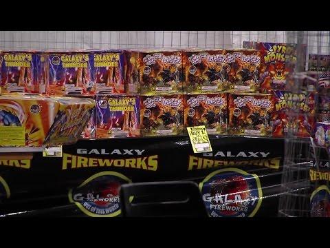 Masked men rob Tampa fireworks stand | Digital Short