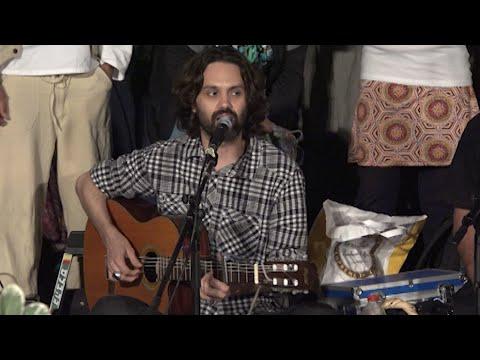 הנה אני - מעגל שירה מקודשת בכיכר הבימה 29.05.16 - Unite In Babylon