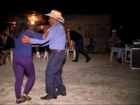 CIERRE DEL CARNAVAL EN ACALMANCILLO PANTEPEC PUEBLA CON EL GRUPO INTEGRACION 7 POR VIDEO TAURO