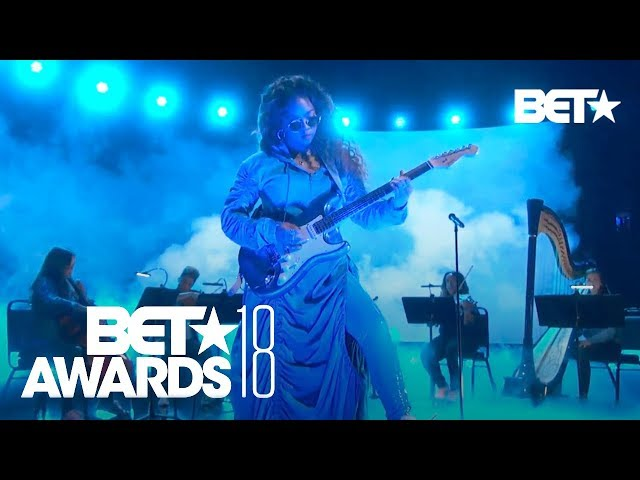 H.E.R. Performs Amazing LIVE Version of 'Focus' | BET Awards 2018