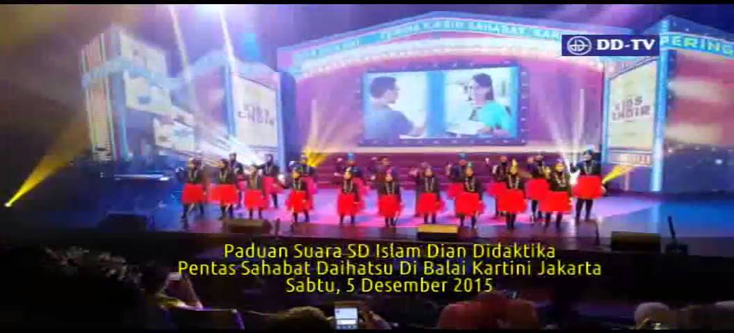 Tim Paduan Suara SD Islam Dian Didaktika pada Pentas Sahabat Daihatsu