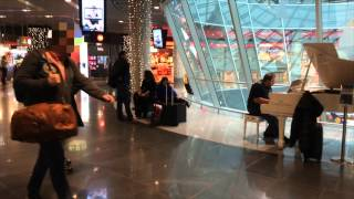 Passengers shocked at amazing Piano at the Airport