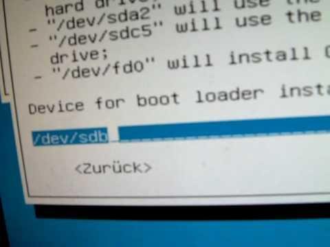 Ubuntu 11.04  : Grub2 Bootloader Error