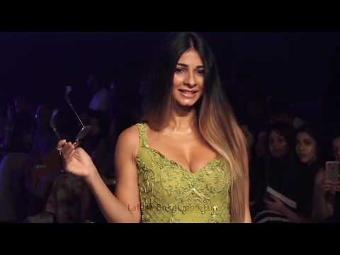 Tanisha Mukherjee HOT Cleavage Show At Bombay Times Fashion Week 2018 thumbnail
