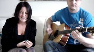 What Doesn't Kill You Makes You Stronger (Kelly Clarkson Acoustic Cover)