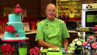 Meet Nicholas Lodge, Expert Sugarcraft Artist and Instructor from Craftsy.com