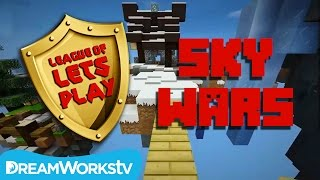 Minecraft SKYWARS with Fin from FinsGraphics | LEAGUE OF LET'S PLAY