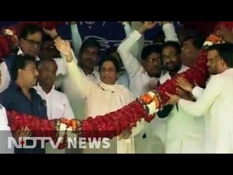 In Azamgarh, Mayawati brings Uttar Pradesh battle to Mulayam's turf