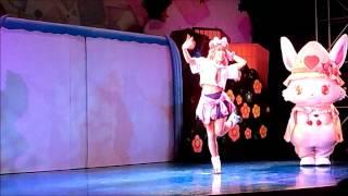 サンリオピューロランドの レディジュエルペットのミュージカルショーの一幕、ももなちゃんが自己紹介するシーンです。 このショーは、わざわ...