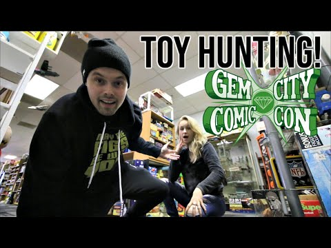 TOY HUNTING AT GEM CITY COMIC CON FOR MARVEL LEGENDS, COMIC BOOKS, FUNKO POPS AND MEZCO ONE:12!!