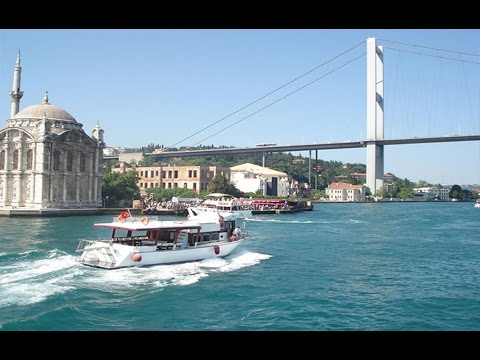 Bosphorus Tour in Istanbul / Turkey