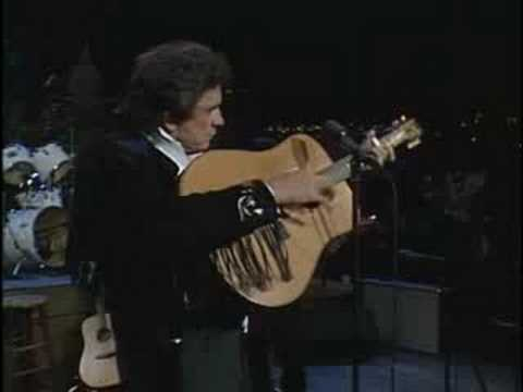 Johnny Cash - Ghost Riders In The Sky (Live - 1987) - YouTube
