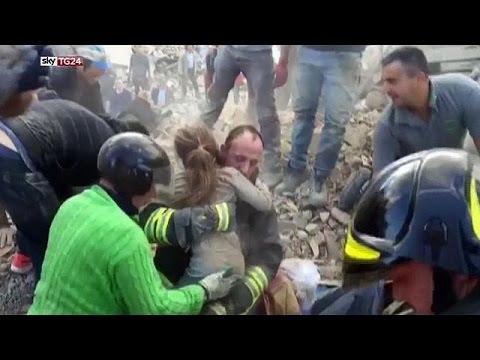 rettung-nach-erdbeben-in-italien-maedchen-war-17-stunden-verschuettet