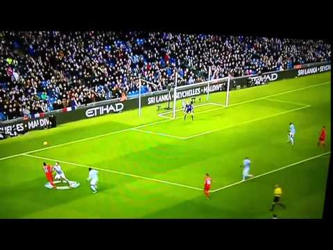 Roberto Firmino with a sick skill on Martin Demichelis