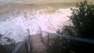 Азовского море шторм 27 июня 2011г.(Это видео загружено с телефона Android., 2011-06-28T14:01:42.000Z)