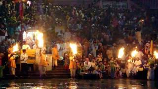 Ganga Aarti at Har-Ki-Pauri (Haridwar) - Incredible India!!