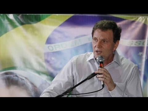 Eleições no Rio começam com Crivella na dianteira