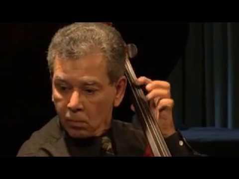 Vincent Mantia, Cellist,. Courante. J. S. Bach. Suite No. 1 .mp4