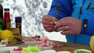 Cooking shrimps outside in freezing, beautiful Greenland!