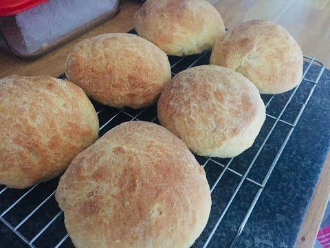 making-bread-rolls---bread-flour-vs-self-raising-flour-recipe,-the-difference.
