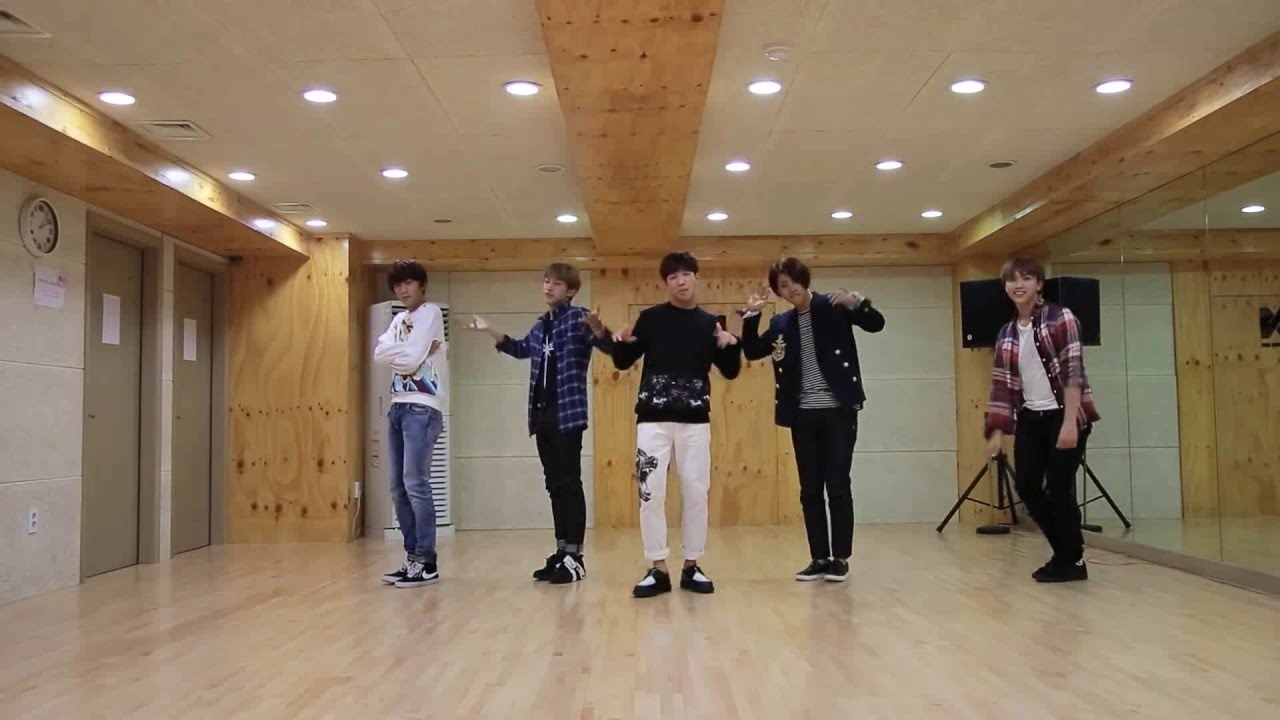 solo day dance practice mirror
