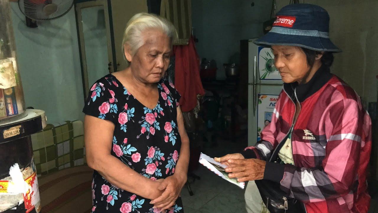 Trao suất quà & phong bì 250,000Đ cho cô Mai,66 tuổi, neo đơn bệnh tật ở Q Bình Tân
