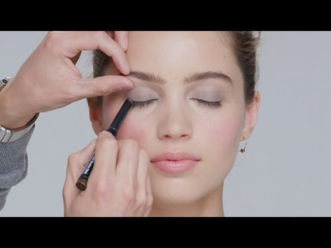 How Cream To Long-wear Shadow Lesson
