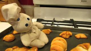 Pillsbury Doughboy Loves Baking Cresent Rolls! NOM NOM NOM!