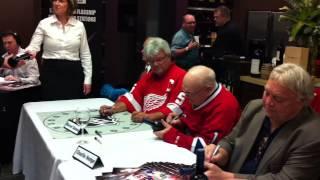 Hockey Legends at BC Liquor Store