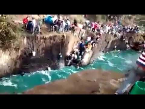 Así se roban Ríos de combustible de PEMEX - Huachicoleros