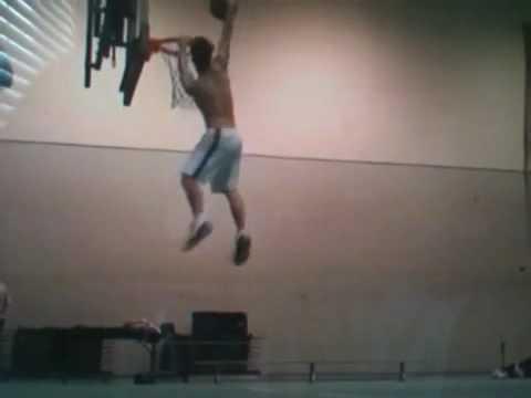 Nick Loscalzo dunks