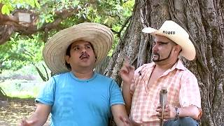 Clasico: Agapito Diaz Platica Entre Primos / Jr Inn