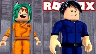 LULY LOVES JAILBREAK'S MOST GUAPO POLICE in ROBLOX 😱