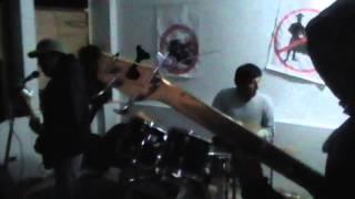 PeRRo EnVeNeNaDo - (MOSH POGO Y SLAM EN LOS ANDES 22/06/13
