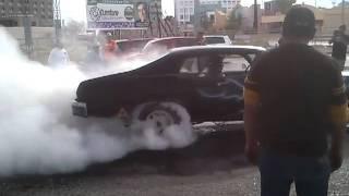 Carro quemando llanta en cd Jurez