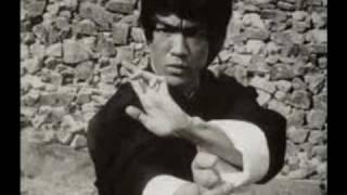 Bruce Lee Jeet Kune Do 李小龍 (  Music Bruce Lee Battle Call )